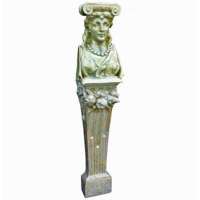 Cariatide En Céramique d'époque Art Nouveau Circa 1900. Monogrammée