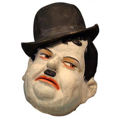 Large Carnival Mask In Paper Maché, Representative Oliver Hardy English Work 1920/1930