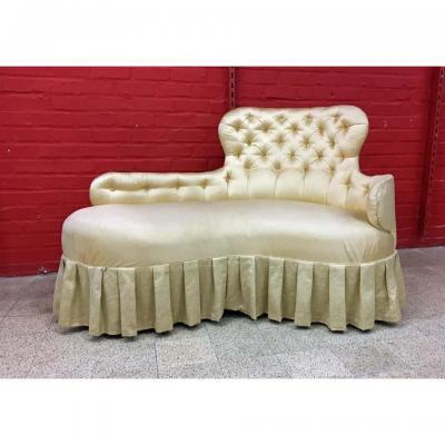 Sofa De Style Napoleon III , Recouvert De Satin Jaune Dans Les Annéees 70,