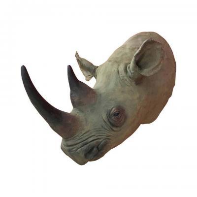 Grande Tête De Rhinocéros En Resine , Travail Amerique Du Nord Circa 1970