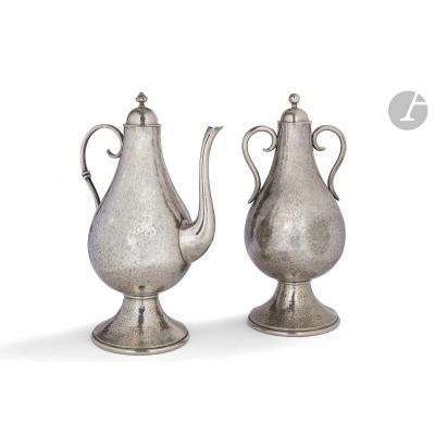 Jean Despres (1889-1980) Pendant Formé d'Une Urne Couverte Et d'Une Verseuse  Art Deco