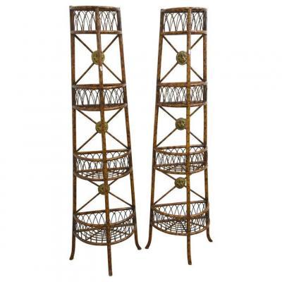 Anciennes Paire d'étageres En Bambou, Médaillons En métal doré Circa 1950
