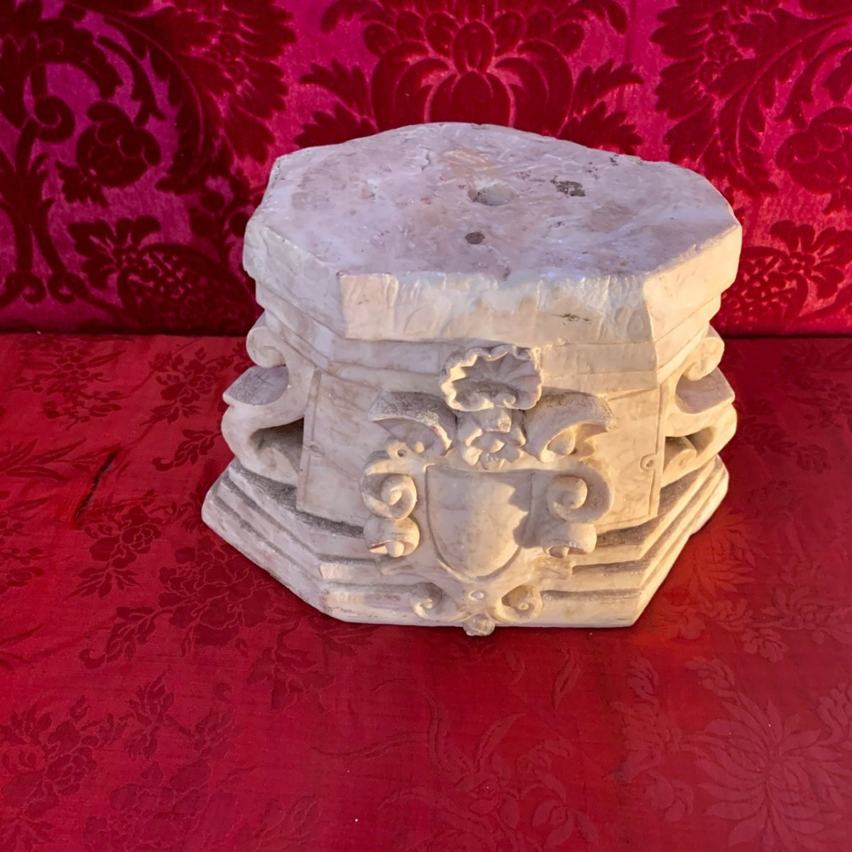 Beau En Marbre De Carrare à Décor Baroque - époque XVIIIe-photo-2