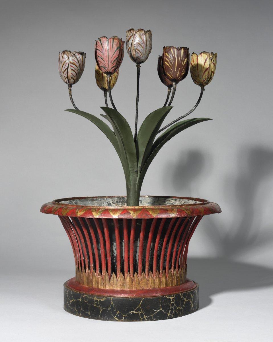 Flower Pot And Candélabra