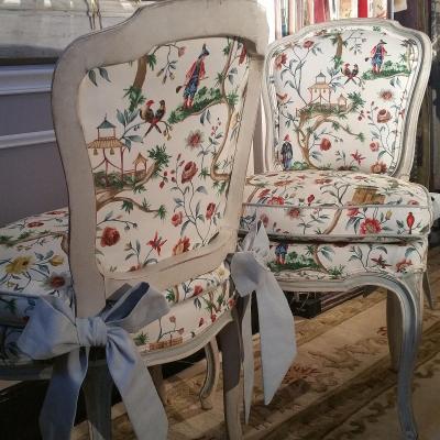Paire De Chaises Patinées De Style Louis XV