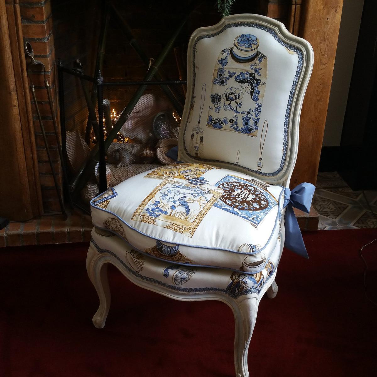 Chauffeuse Patinée De Style Louis XV