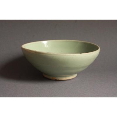 Beautiful Green Jun Bowl - 13.8 Cm Diameter - Jun Ware