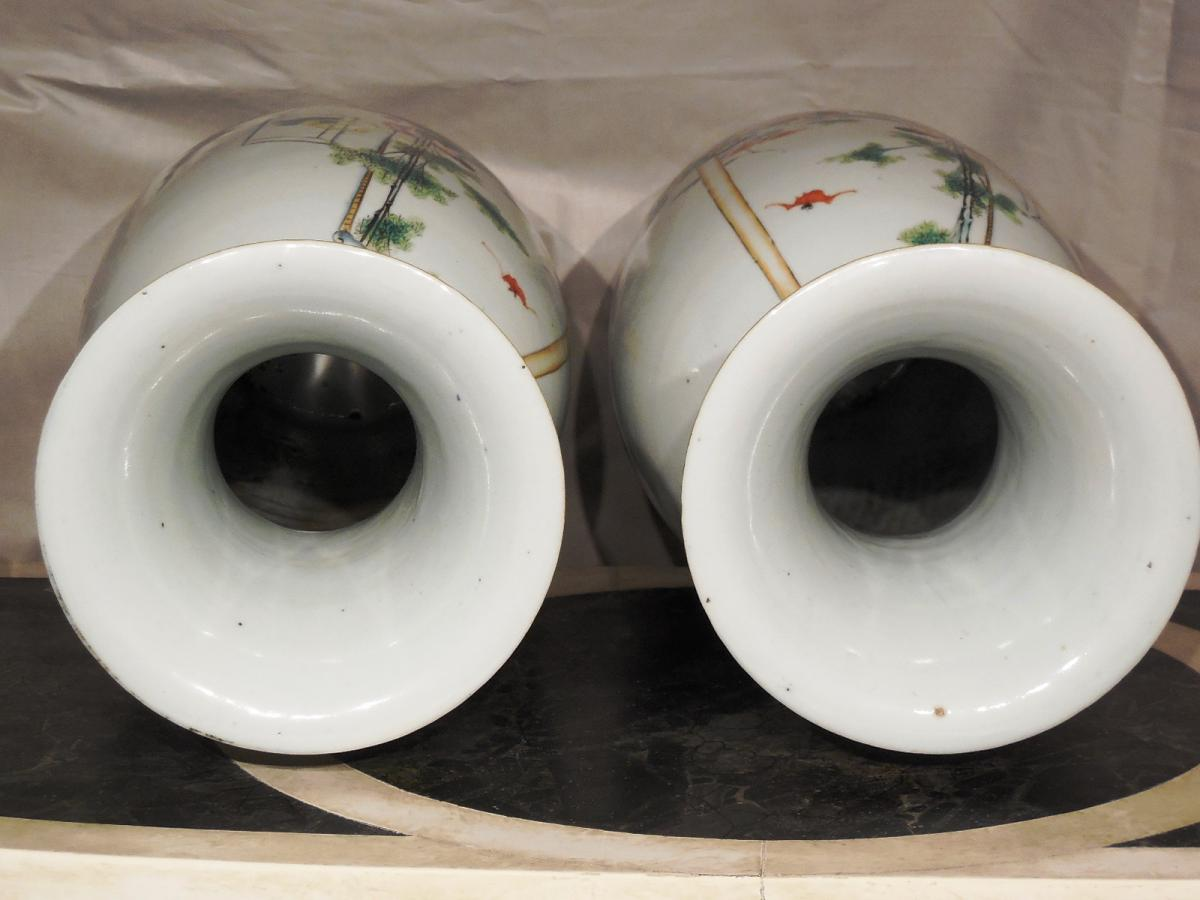 Paire De Vases En Porcelaine De Forme Balustre XXeme  -photo-1