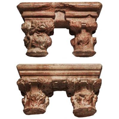 Paire de chapiteaux géminés en marbre du Languedoc, XVe s.
