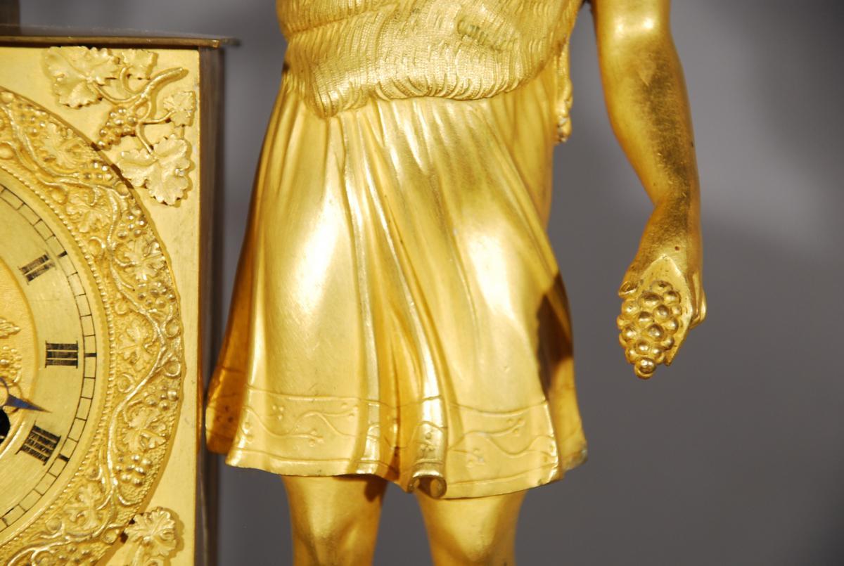 Pendule En Bronze Doré Représentant Bacchus époque Restauration-photo-1