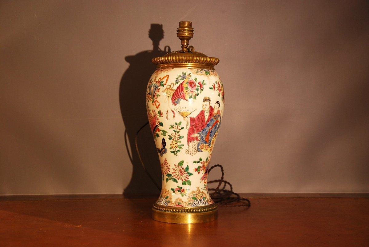 Chinese Couple Vase Lamp