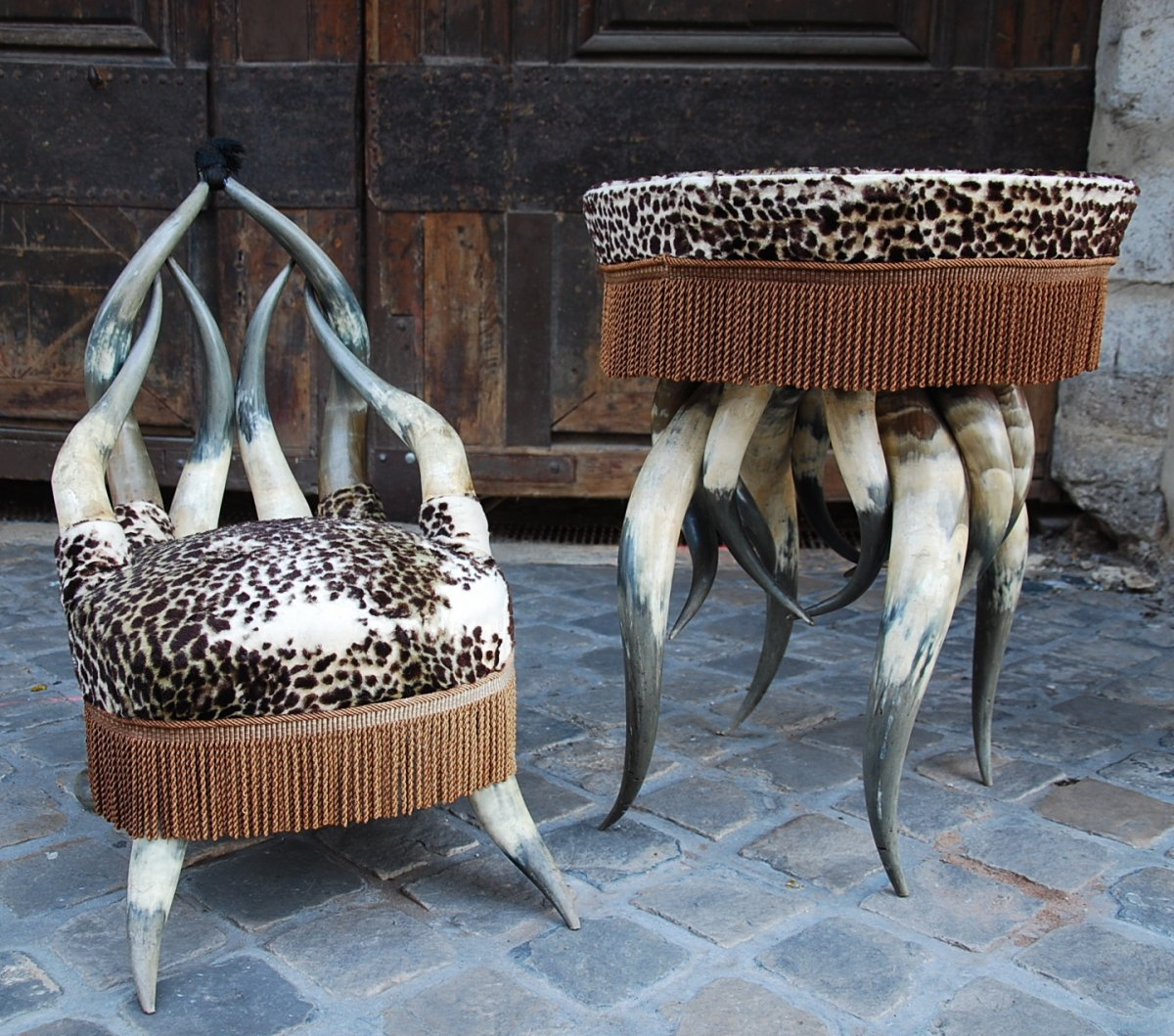 Pedestal And Armchair In Bovine Horns
