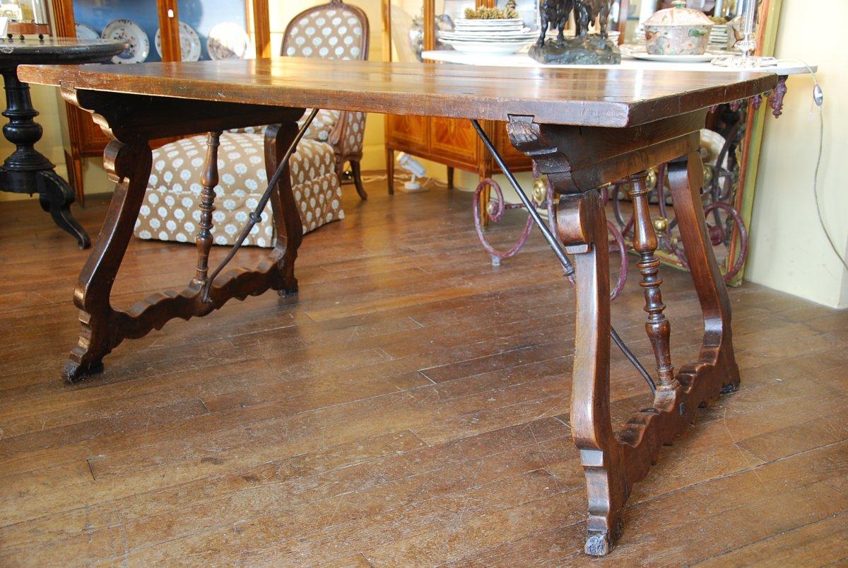 Spanish Table In Walnut Period 17th