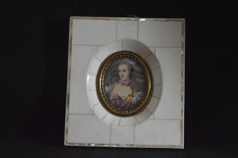 Miniature Marquise De Pompadour-photo-2