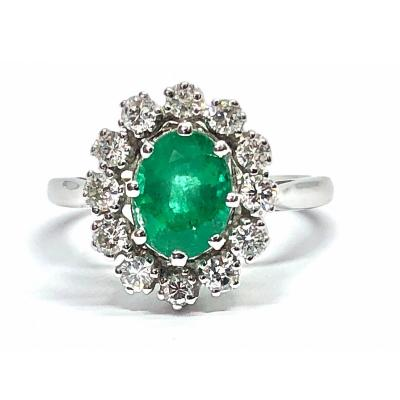 750 White Gold Ring, Set With A 1.03 Carat Emerald