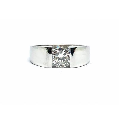 Bague Jonc En Or Gris 750. Très Beau Diamant Rond Demi Taille Datant Des Années 1950