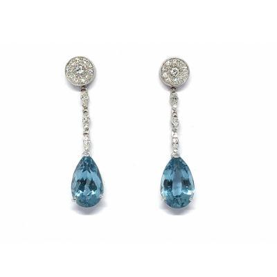 Boucles D'oreilles En Or Gris 750, Serties De Topazes Bleues Et Diamants