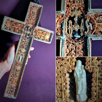Croix De Reliquaires Et Paperolles 18e Siècle