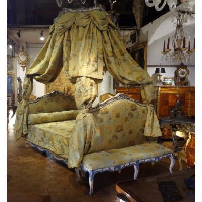 Lit à Baldaquin De Style Louis XV