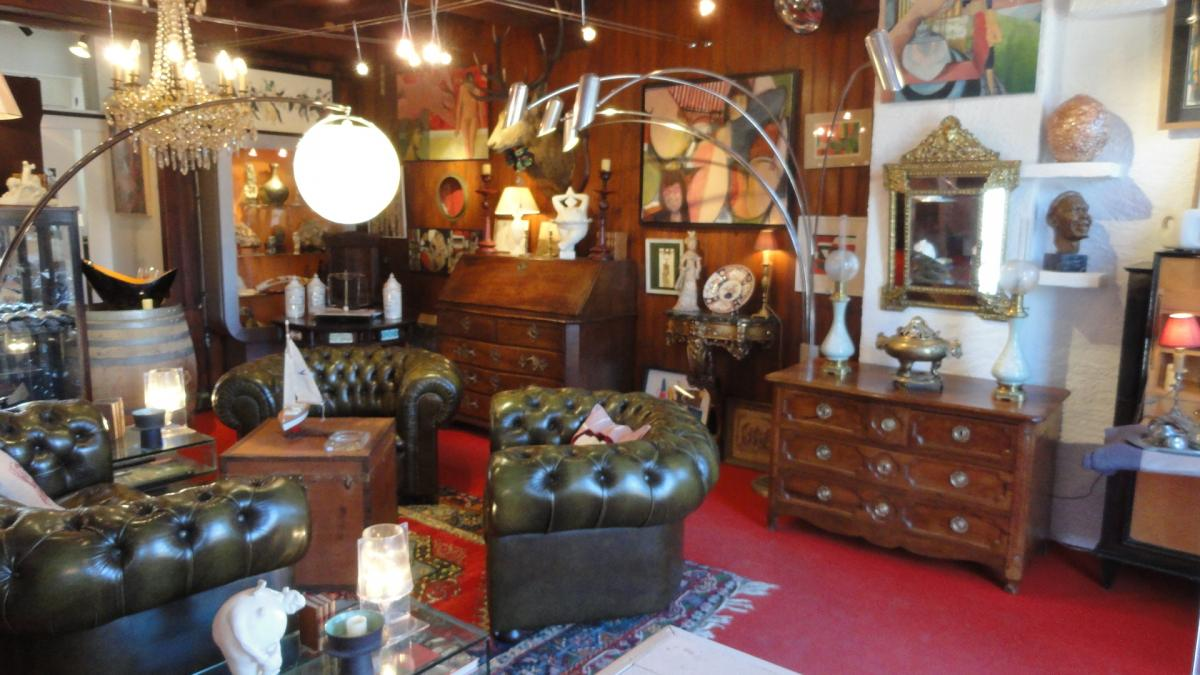 Antiquaire la rochelle jerome serment antiquaire a la for Salon antiquaires la rochelle
