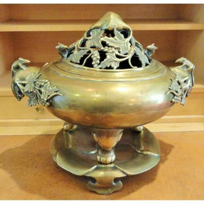 Brûle Parfum tripode, bronze, Vietnam XIXéme.