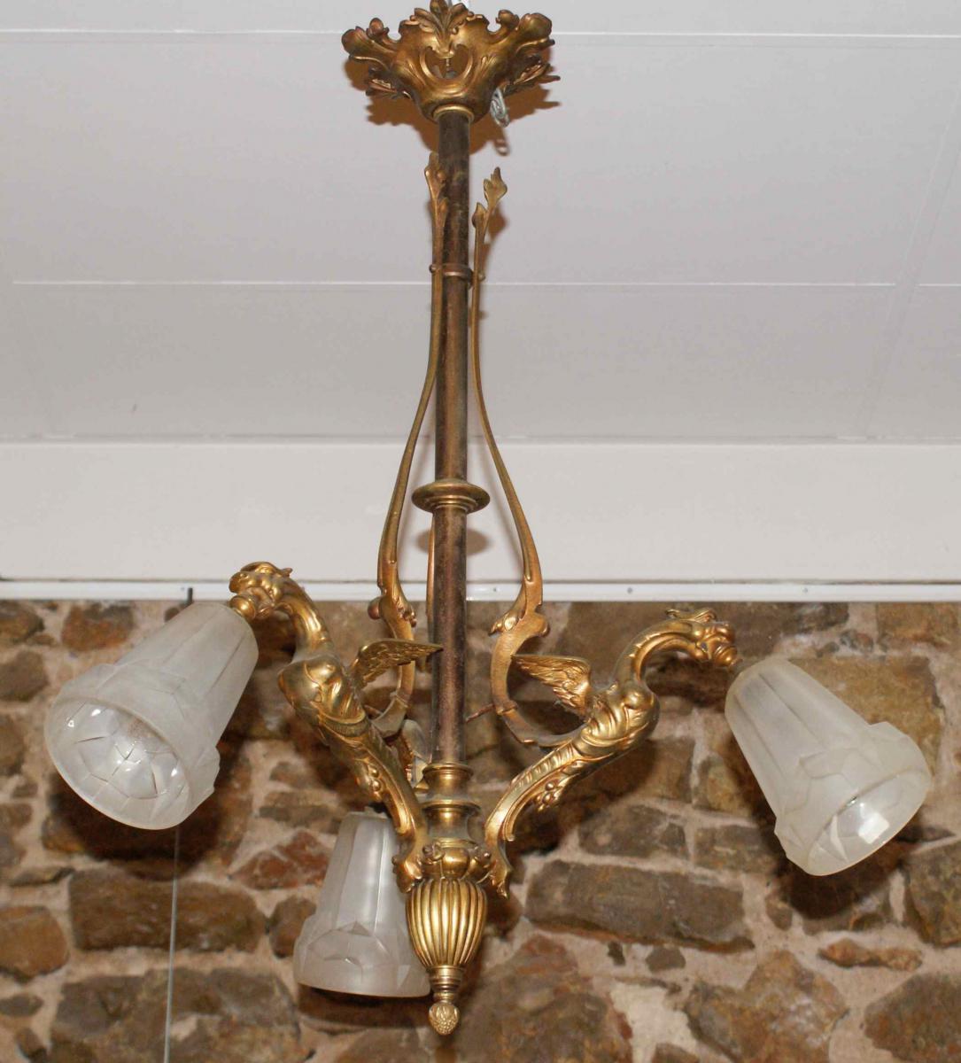 lustre en bronze avec 3 chim res napol on iii lustres. Black Bedroom Furniture Sets. Home Design Ideas
