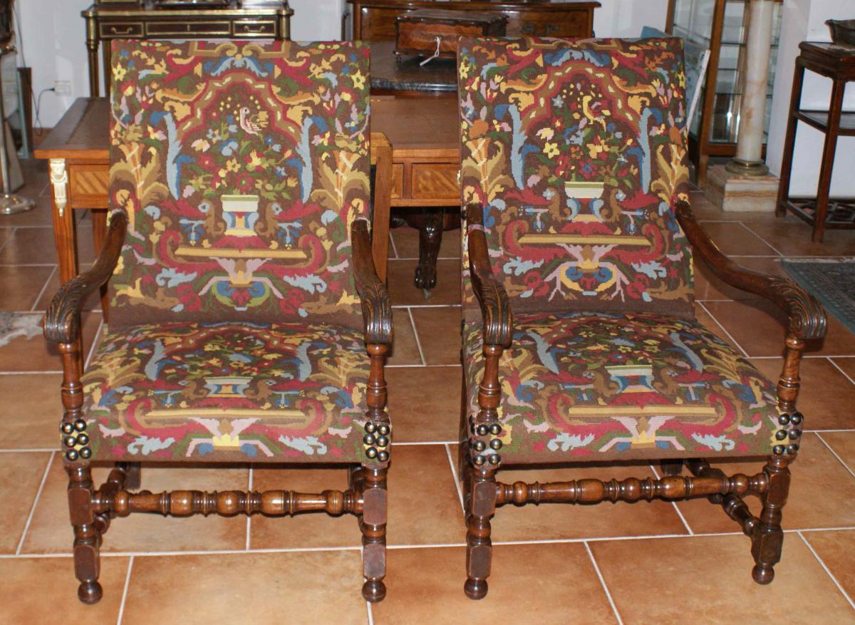 paire de fauteuils louis xiii 18 me si cle fauteuils. Black Bedroom Furniture Sets. Home Design Ideas