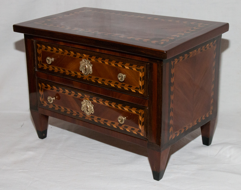Commode Master Marquetry Louis XVI