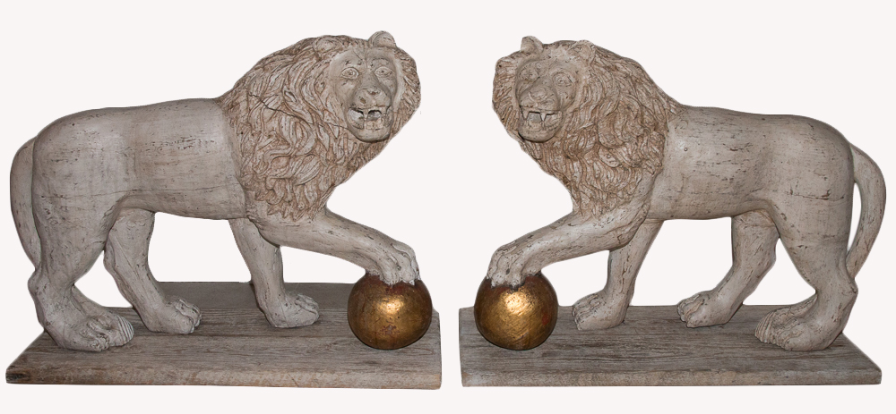 Great Pair Of Lions In Patinated Wood End Nineteenth Century