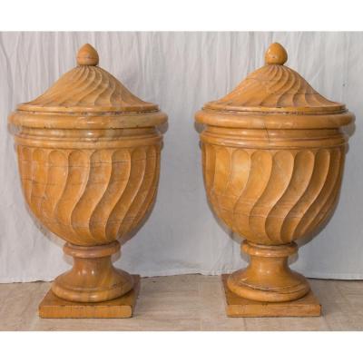 Paire De Vases Couverts En Marbre Italie , Début XIXe Siècle