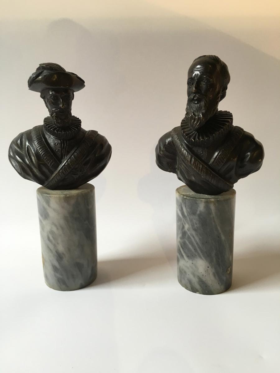 Paire De Bustes En Bronze