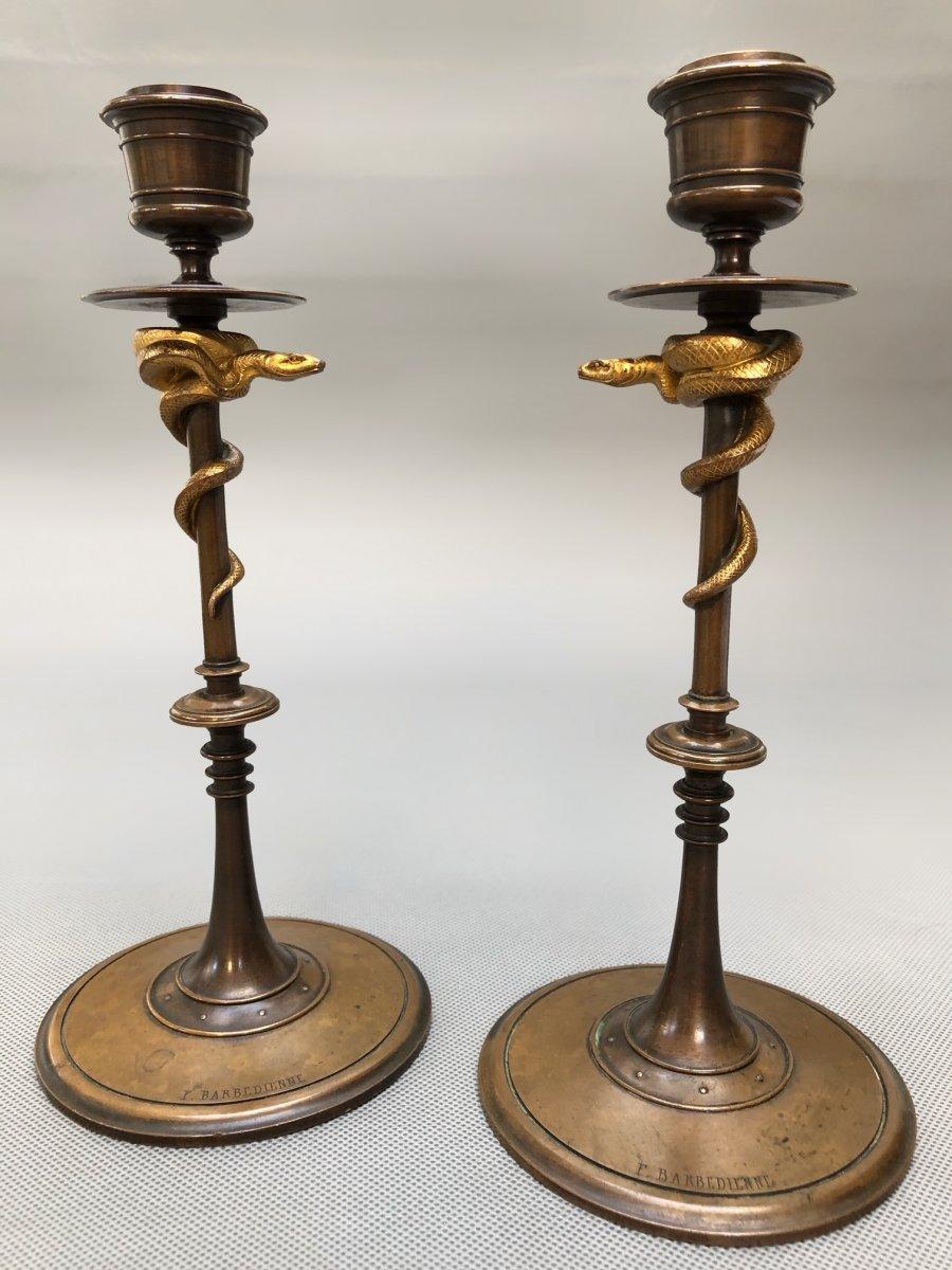 Paire de bougeoirs 19eme en bronze doré et patiné aux serpents de Ferdinand Barbedienne