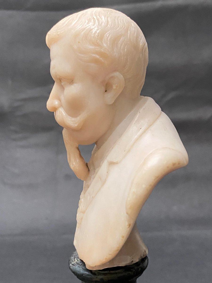 Buste fin 19eme en albâtre d'un homme portant moustache et barbe impressionnantes-photo-4