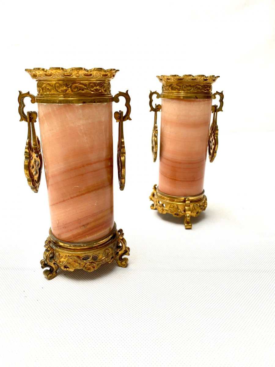 Paire De Vases En Onyx Et Bronze Doré Du XIXe Siècle
