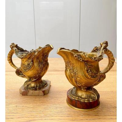 Paire de petits vases 19ème en bronze doré de Ferdinand Barbedienne