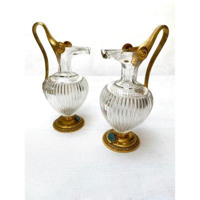 Paire d'Aiguières De Style étrusque En Bronze Doré Et Cristal XIXème