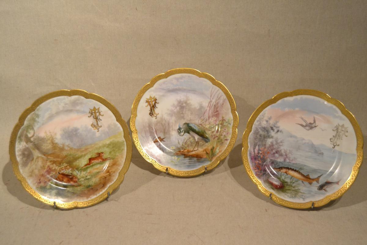 """Serie De 3 Assiettes Porcelaine """"chasse Et Pêche"""", XIX"""