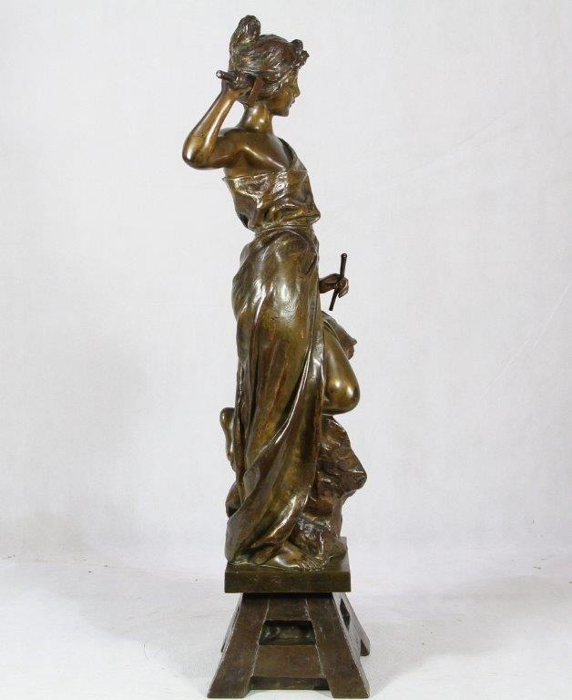 """E. VILLANIS (1858-1914), Bronze """"allégorie à la sculpture"""", XIXe"""
