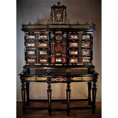 """Rare et grand cabinet aux """"armoiries de Charles Quint"""", Fin XVIe/début XVIIe"""