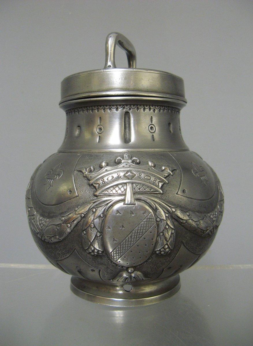 Pot à Bouillon Médical En étain Armoiries Et Couronne De Duc XIXe.