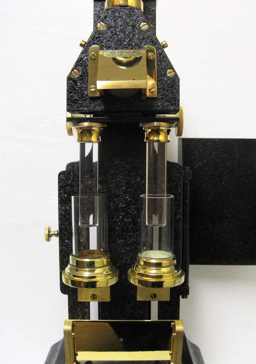 Colorimètre. Instrument Scientifique.-photo-4