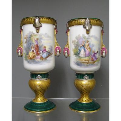 Paire De Vase En Vieux Paris XIXe.