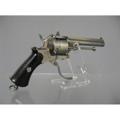 Revolver With Brooch With Closed Carcass 9 Mm. Rare.