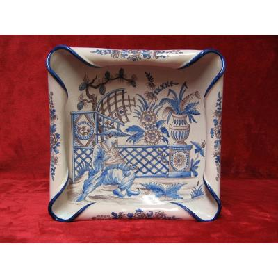 Hemmed Dish With Chinese Decor. Nevers Trousseau.