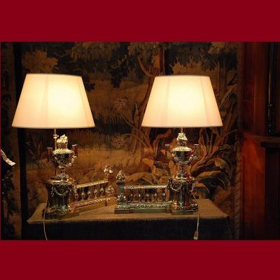 Paire de chenets en bronze de style Louis XVI montés en lampe