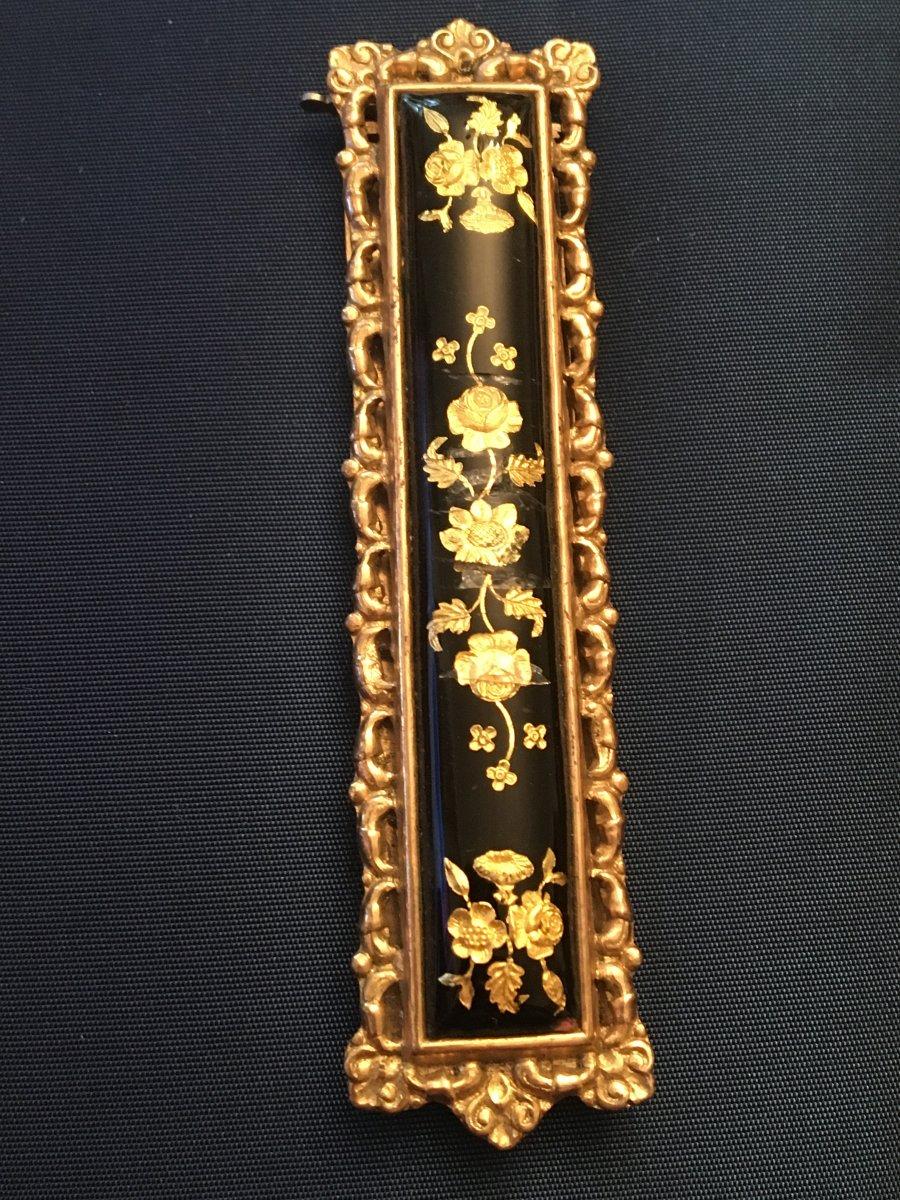 Boucle De Ceinture émaillée or et Pomponne