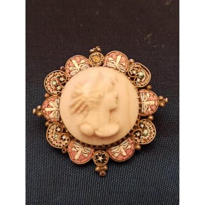 Silver Brooch Decorated With A Cameo In An Entourage Of Micro Mosaics