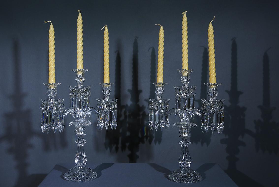 Paire de  Chandeliers Girandoles En Cristal De Baccarat