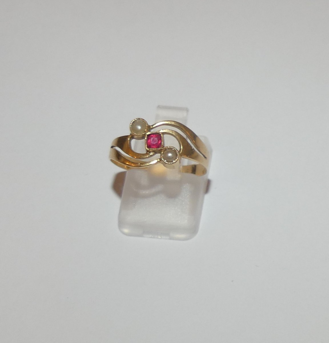 Old Gold And Pearls Ring