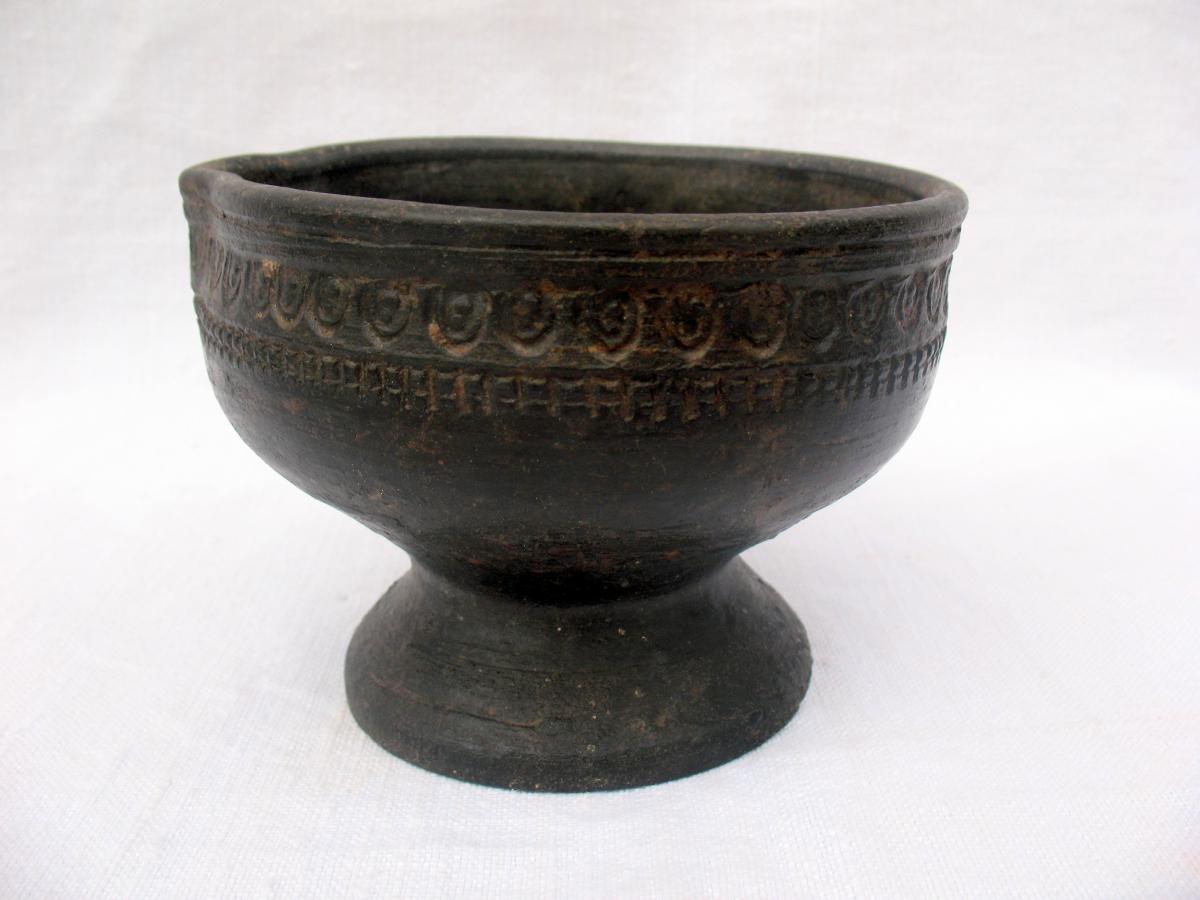 Verseuse antique en terre cuite noire. Objet de fouille. Afghanistan, premier millénaire